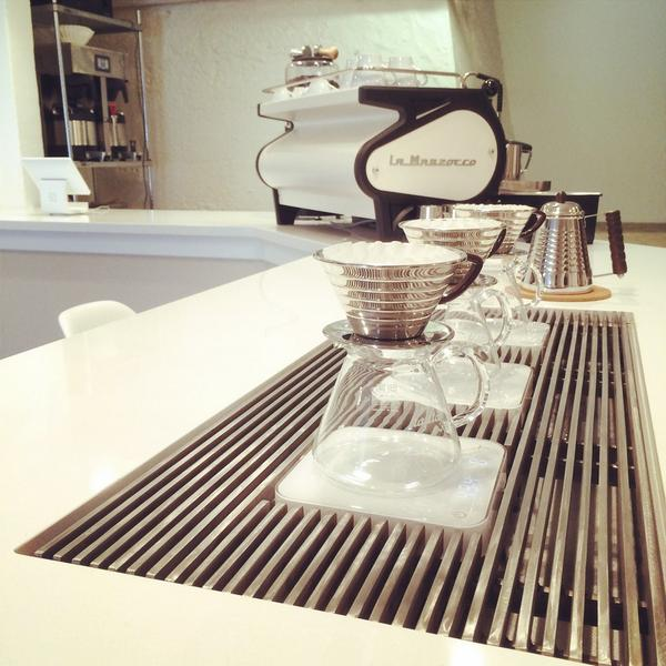 Custom brew bar grille is IN! @acaiacoffee @KalitaUSA http://t.co/ppa4sztD3A