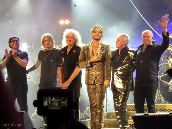 Thanks for this tour of a lifetime! @QueenWillRock @DrBrianMay @OfficialRMT @adamlambert @RufusTTaylor @SpikesSASBand http://t.co/ib6W2cP8Ej