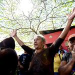Así trata el Diosdado-Madurismo a El Soberano: Desalojan a GOLPES a familias d Misión Vivienda http://t.co/rbVhTik3E4 http://t.co/VevV5TeXKt