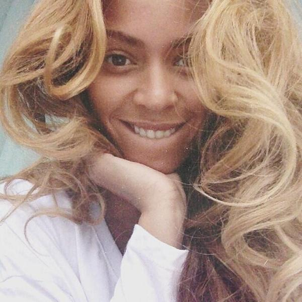 Happy B'Day to the best singer, performer and entertainer of our time. So proud of u @beyonce. #HappyBirthdayBeyoncé http://t.co/U52CdRUQVI