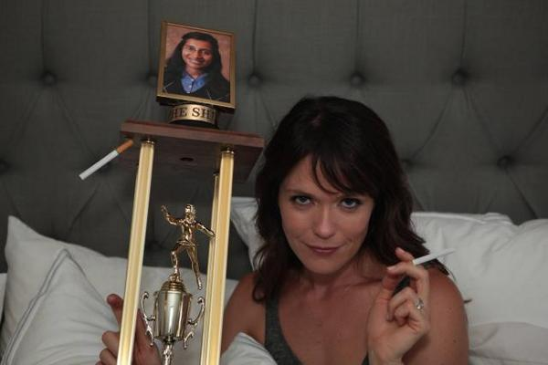 Finally someone can satisfy Jenny @duplaselton in bed.  Season Premiere of #TheLeague TONIGHT 10pm on FXX http://t.co/X3Aiw3P2dC
