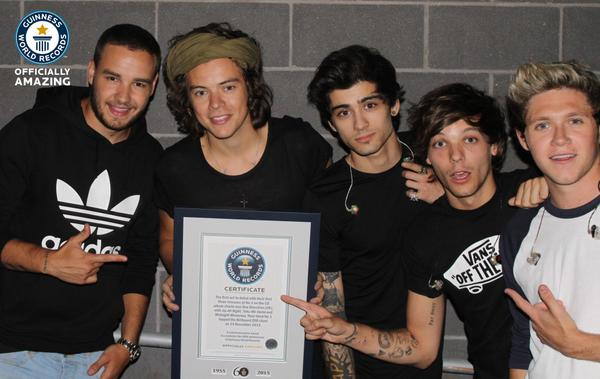 First act to debut at #1 in the USA with their first 3 albums. Congrats @onedirection! #gwr60 http://t.co/yyrDUmBXOf http://t.co/gAmfUXqZHy