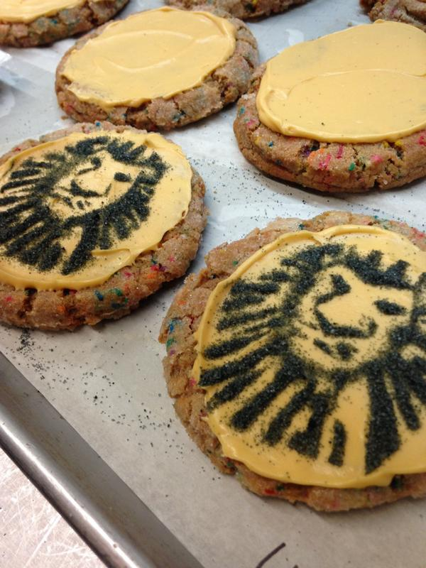 Yesterday we made some awesome cookies for @TheLionKing's 7,000 performance! http://t.co/cVDfkQMezB