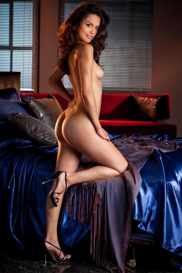 Raquel Pomplun shows off her nude petite body http://t.co/G4AI48g4mX