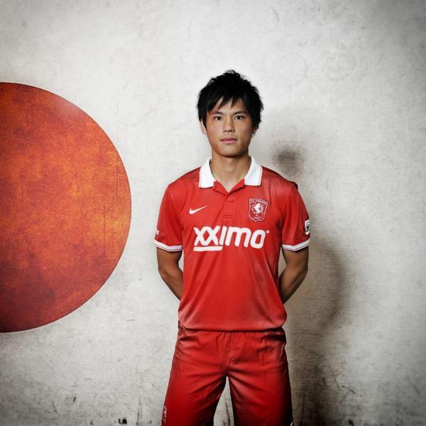 FCトゥエンテに宮市亮選手が加入して、日本からたくさんの新しいフォロアーが来ました。みなさん!ようこそ! http://t.co/hzjP1Cy9jr