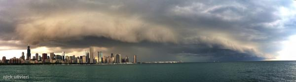 Ultra-wide panorama of the shelf cloud that just swept through #Chicago > http://t.co/ryp5bRJSSx