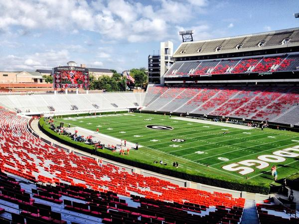 Nothin better than Saturdays in Athens #BeatTroy http://t.co/TuxE466WLk