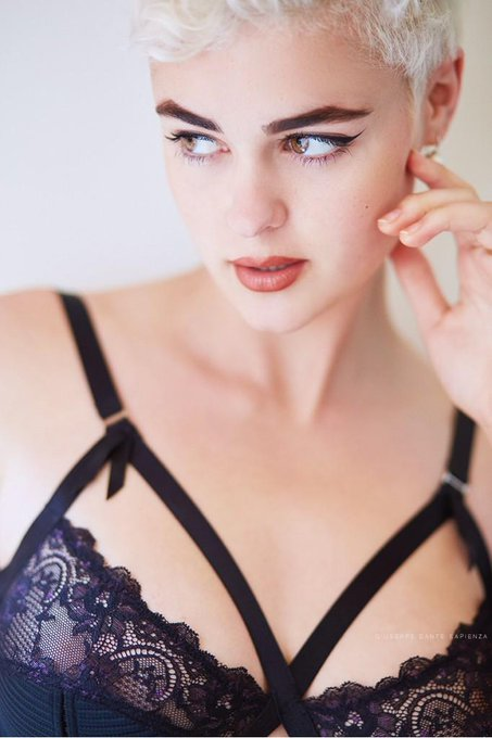 "Dita Von Teese @ditavonteese: Beautiful. RT ""@stefania_model: Shot by Dante Sapienza, wearing @DitaVonTeese's famous Madame X Bra http://t.co/guJcIE2mmf"""