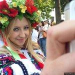 У Києві влаштували Марш вишиванок на півтисячі учасників Ще ФОТО тут: http://t.co/OexeAqfNpJ #МегаМаршВишиванок http://t.co/ckjwujdvOp