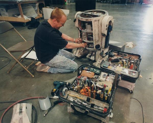 Working on the ORIGINAL Artoo Detoo! You can see the smile I'm failing to suppress. #throwbackthursday @starwars http://t.co/e6NO3ewlXw