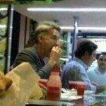 RT @Agarie: Eike Batista comendo coxinha. Bem-vindo ao meu mundo. http://t.co/OaXTHGeVg5