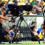 """Emerson Sheik, que tinha marcado dois gols, foi expulso e se dirigiu a câmera para falar: """"CBF, você é uma vergonha"""" http://t.co/8q9vxuXJaV"""
