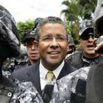 RT @ElMundoSV: #ElSalvador | Revocan arresto domiciliar del expresidente Flores. Decisión será notificada hoy http://t.co/XaIljr89wi http://t.co/tfT02Nh6Oz