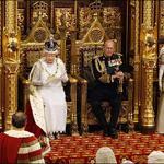"""""""Escocia lucha por su independencia, el ReinoUnido por la supervivencia"""". La Corona no alcanza http://t.co/XQT5ythNG3 http://t.co/wgYrxen5LS"""