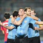 Uruguay cayó un puesto en el Ranking FIFA. http://t.co/PjIPLfRLI2 http://t.co/qJo6xo56RT