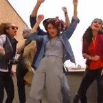 Iranianos são condenados a 6 meses de prisão e 91 chichotadas por dançarem Happy. http://t.co/GXmDZ1UmvO http://t.co/diS8NdMToq