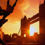 #BomDia direto de Londres Belo nascer do sol... #towerbridge #sunrise + sobre #londres http://t.co/fALeu40LOw http://t.co/P5JPx8iMBy