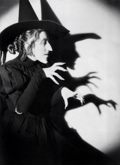 Dramatic still from #MargaretHamilton's #WizardOfOz screen test for #TheWickedWitchoftheWest! http://t.co/LmSO8gtZ2C