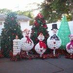 O Eike já fez o enfeite de natal da casa dele totalmente sustentável #EikeBatistaClasseMedia http://t.co/4FO4jufuBr