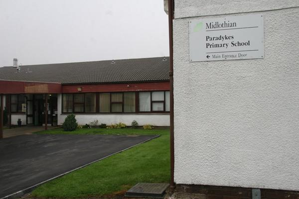 Remember change of polling station from Loanhead Ex-Servicemen's to Paradykes. Issued on behalf of counting officer. http://t.co/XEz05g9XyZ