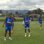 Once Caldas entrenó en Bogotá. Prepara partido con Equidad. Regresaron Arias, Alba, Salazar y Pérez. Peñaranda viaja. http://t.co/QQnKlRgiOY
