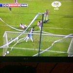 Gooooooooooool de mi Emelec, vamos Bombillo, otro gol, otro gol, bombillo haz otro goooooool http://t.co/yMBe9DTuKb