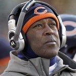 """RT @MWharam7: """"@ESPNcer: Lovie Smith staring right at it http://t.co/jlynVeEqh7"""" lol looking up at the McCown jig"""