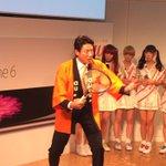 回線の速さをアピールするはずが、錦織選手のフォームの解説を始める松岡修造さん。 http://t.co/G5vz1Eirwm
