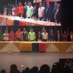 RT @jcendemocratico: #CentroDemocrático y su líder @jimmyjairala de pie para el himno nacional. #UnidosPorLaPatria http://t.co/sHGvmqsWkc