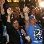 RT @WSJJapan: UPDATEしました。各地で開票が進み、反対多数で否決されることに⇒【スライドショー】スコットランド独立に反対-住民投票各地の表情 http://t.co/D1AVR9ctpr (REUTERS) http://t.co/Gjo0T9piEJ
