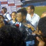 """Pedro Quiñonez """"Conseguimos la victoria hay q seguir mejorando y estar concentrado para el partido de vuelta"""" @Emelec http://t.co/woUMkYTXAj"""