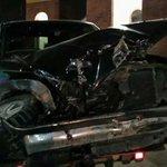 Camioneta de valores provoca accidente después de pasarse el rojo #reynosafollow eso que no era hora de tráfico -.- http://t.co/hNAUiWBU0C