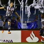 RT @Recordec: .@CSEmelec despierta y derrota 2-1 al #RiverPlate de Uruguay en la @SudamericanaCSF. http://t.co/msgYCxBZQs http://t.co/WNvMxLi9aT