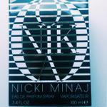 RT @companymagazine: Its #freebiefriday time! Want to #win this amaze Nicki Minaj fragrance? Just RT to #win! http://t.co/nFmkI2F0iC http://t.co/oSnXcxMNNR