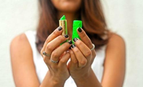 Mar Montoro (@Mar_Montoro): El cosmético que adoran las `celebrities´: el pintalabios mágico marroquí #moda #belleza https://t.co/BMsmI56QWP http://t.co/WBgA4N58Ey