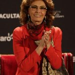 この方ほんまにチャーミングなままやなあ…(惚れ惚れ RT @Reuters_co_jp: 女優ソフィア・ローレン、80歳の節目控え回顧録を出版 http://t.co/ctj9YojAoF http://t.co/exZGG8M2DM