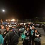 Hundreds waiting for the buses at Alberton. This is dedication! #weareportadelaide #AFLFinals http://t.co/lQ0YoYxy40