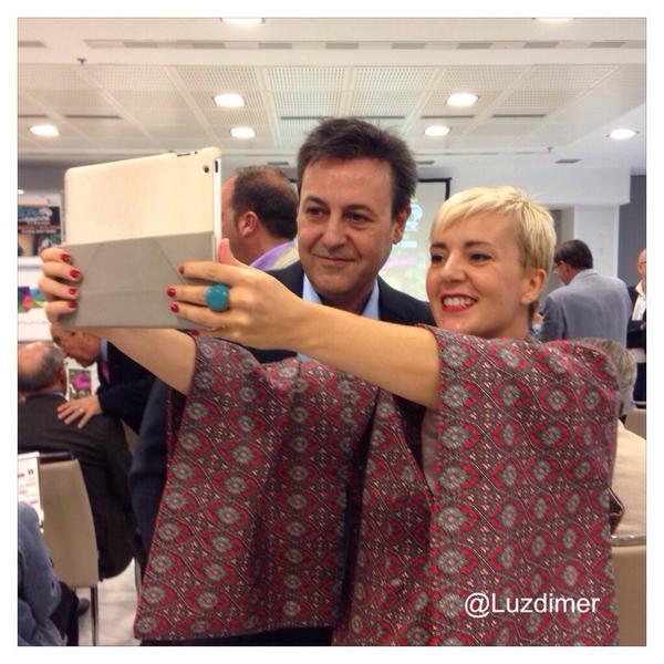 El selfie del selfie (nueva tendencia) de los presentadores del Congreso Soria Gastronómica #PasiónporlaGastronomía http://t.co/9ustPLvweH