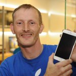 Watch #iPhone frenzy: Man who queued for three nights to get new gadget says it was worth it http://t.co/bA15eCphKn http://t.co/zi6Ln3nykx
