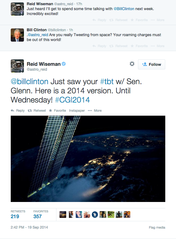 This is why I love @Twitter! @astro_reid tweeting from space to chat with @billclinton and share his #tbt photo! http://t.co/ZXlZS5kq9D