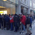 Hundreds lined the streets to snag an #iPhone6 http://t.co/EO0LAJuIfm #Boston http://t.co/Ylg5jOEfD8