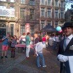 RT @karstenklein: Foodfestival Rrrollend Den Haag, een initiatief van ondernemers van de Denneweg is onwijs gezellig! #langevoorhout http://t.co/JqrAC8eQX1