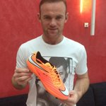 New boots for Sundays game from @nikeuk #hypervenom http://t.co/UYvXkRIB8q