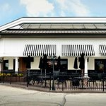 How about lunch on the patio on this gorgeous day in #Indy? #EatLocal http://t.co/cYImXkoEFV