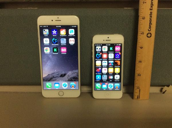 Since a few people asked, here's a size comparison... #iPhone5 vs #iPhone6Plus http://t.co/Dd06Lv6m06
