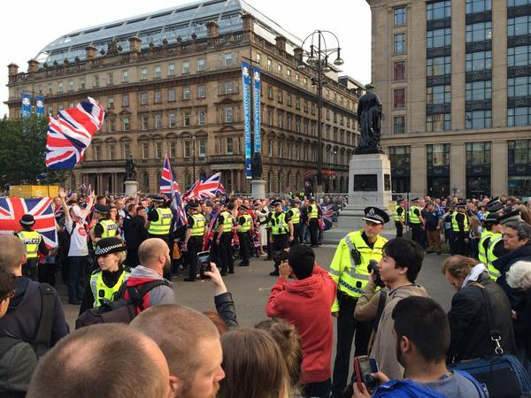 #ScotlandDecides ugly scenes developing in center of Glasgow - pro Union supporters confronting independence crowd http://t.co/D1FPCfFB4X