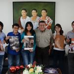 """RT @CAMPCHEPROGRESA: Gobernador @ferortegab Reunión con ganadores """"Estampas de Campeche"""" http://t.co/Foy7xY2czT http://t.co/Dqtsntd9lI"""