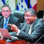 #ElSalvador: Expresidente Francisco Flores es trasladado a prisión http://t.co/sJFTP1eG7c http://t.co/CbzN9hwEs5