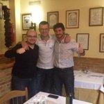 RT @2010MisterChip: Esta tarde viendo el Depor 4-0 Milan y ahora cenando con uno de los héroes. Grande @Victor_SDA!!!!!! http://t.co/ecnx2s0nUz