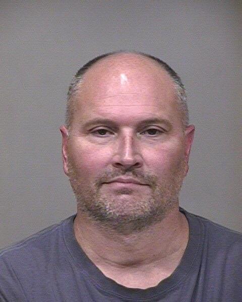 @Rick_bonnell RT @KJRidley: Former @hornets  Rex Chapman arrested for theft at Apple Store. stealing 14,000 worth.  http://t.co/lmh20StQLI